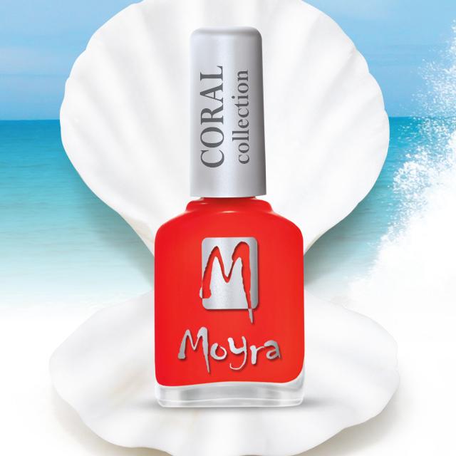 Coral effect nail polish